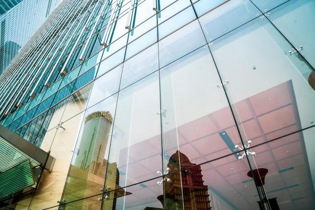 上海の高層ビルのオフィスの窓