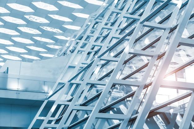 現代の鉄骨造建築物の一部