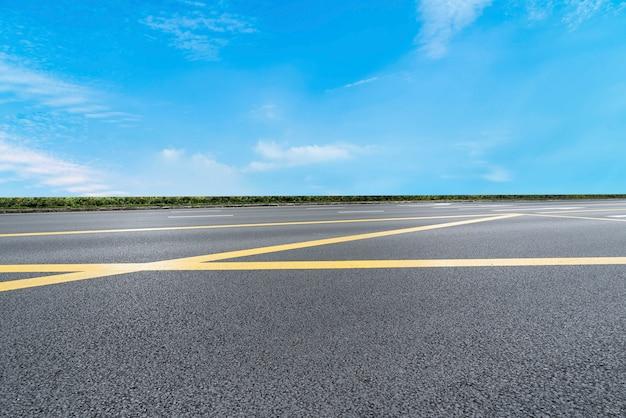 Дорожное покрытие и небо природный ландшафт