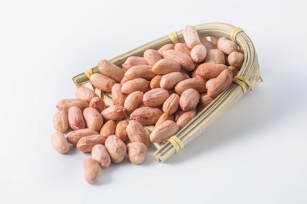 バラ色の生の有機大豆大豆