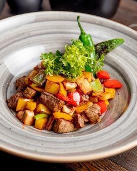 ジャガイモとピーマンと野菜のフライ