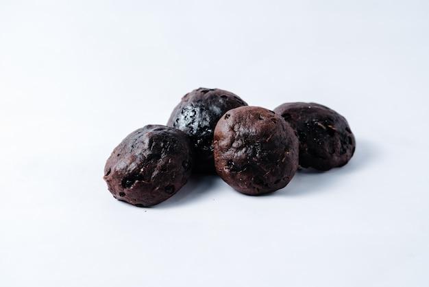 チョコレートマフィンの束