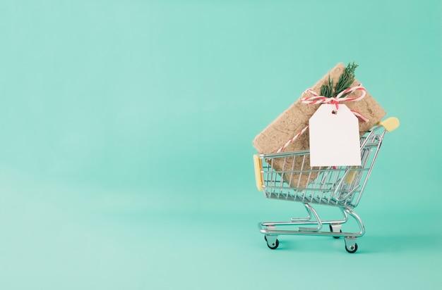クリスマス、新年のショッピングと配送のコンセプト