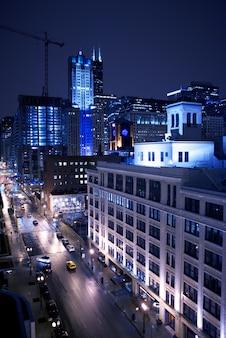 夜のシカゴ市