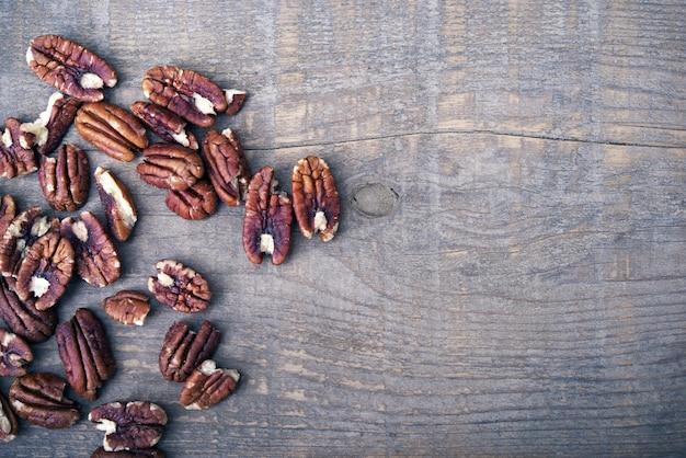 木のピーカンナッツ