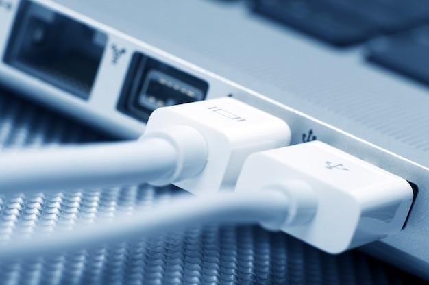 ノートパソコンの接続