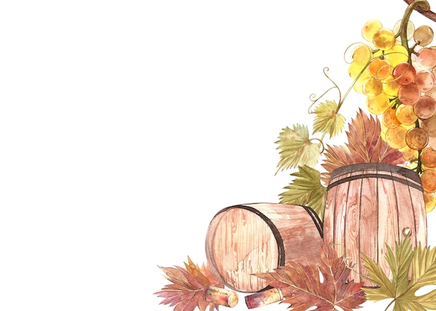 Листья клубники с цветами и спелыми ягодами.