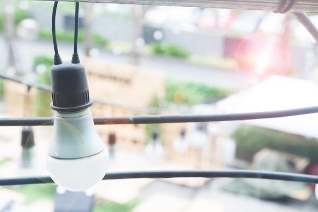 カフェやレストランの電球