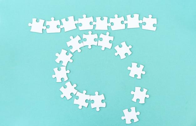 レタリングのパズルのピースのモックアップ