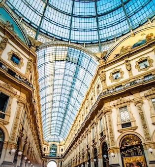 ミラノのガラスアーケードギャラリー