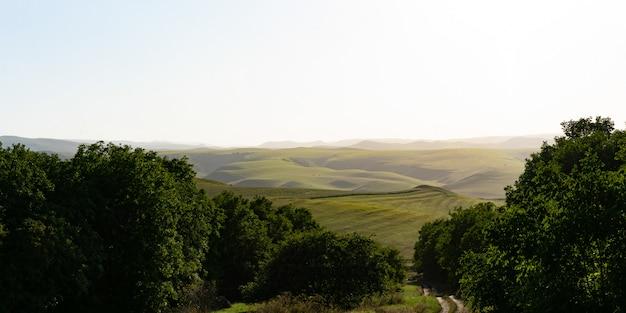 Очень красивый пейзаж в горах