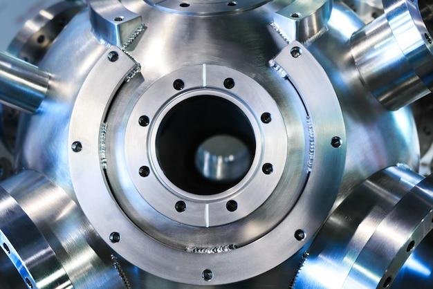 溶接フランジ付きの重金属ハウジング