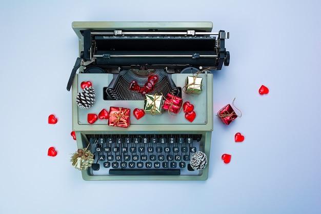 タイプライターで始まった親愛なるサンタの手紙