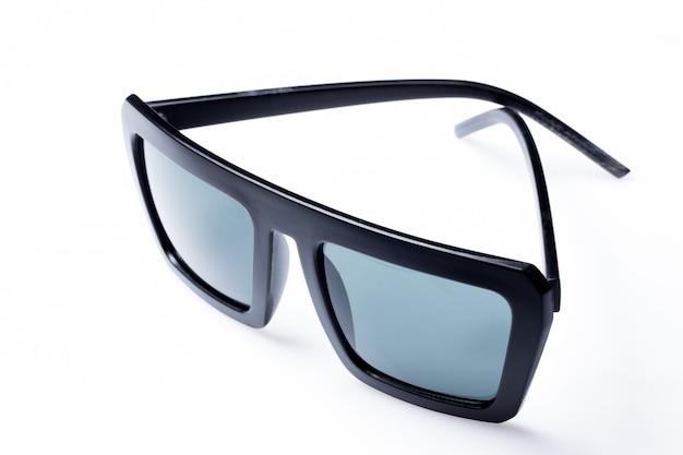 テーブルの上のサングラス