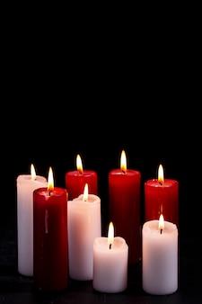 Белые и красные свечи