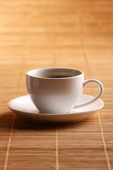 ホットコーヒーのカップ