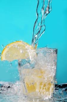 レモンとカクテル