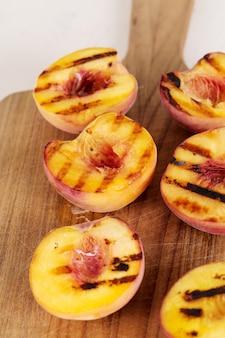桃の鉄板焼き