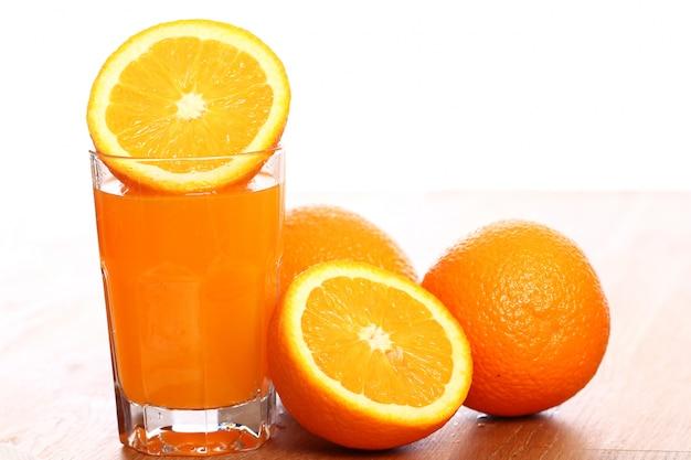 新鮮なオレンジジュース