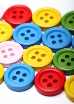 多くのカラフルなボタン