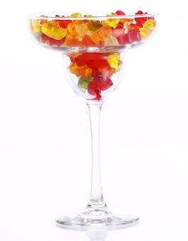 Разноцветные леденцы в стаканчике