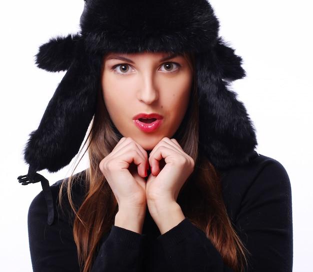 帽子の美しい女性