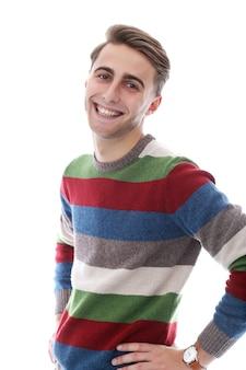 毛と魅力的な幸せな男は広い笑顔を持っています