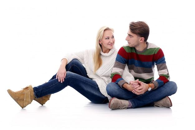かわいいカップルはお互いに恋している