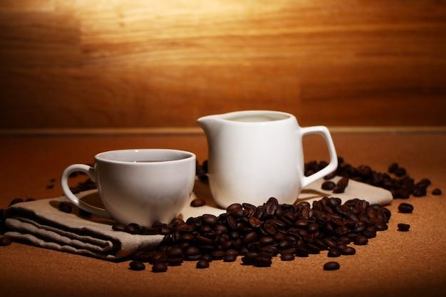 熱いコーヒーのカップ