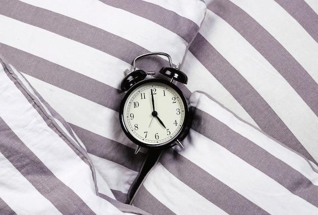ヴィンテージ目覚まし時計