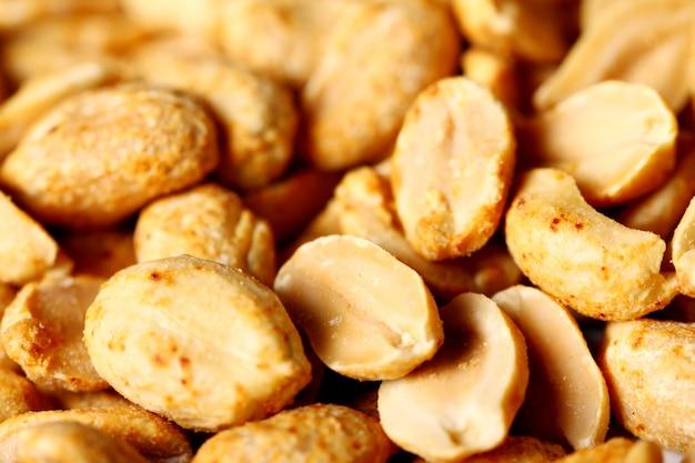 揚げピーナッツのクローズアップ