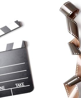 ビンテージリールカメラテープと白のカチンコ