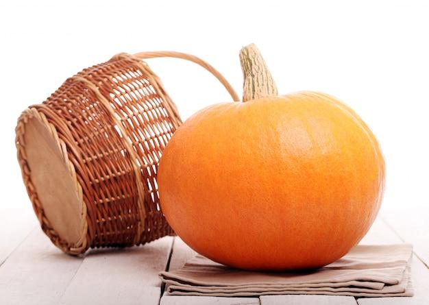 かぼちゃのあるキッチンの静物
