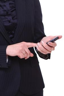 携帯電話を持つ女性実業家