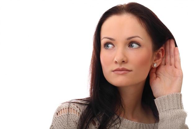 聴覚障害者の若い女性