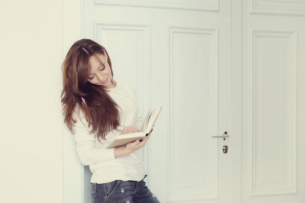 Женщина книги