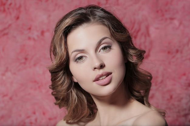 Красивейшая женщина портрета