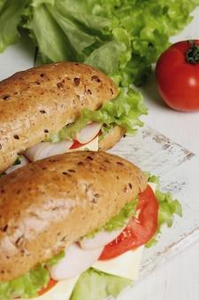 レタスのおいしいサンドイッチ
