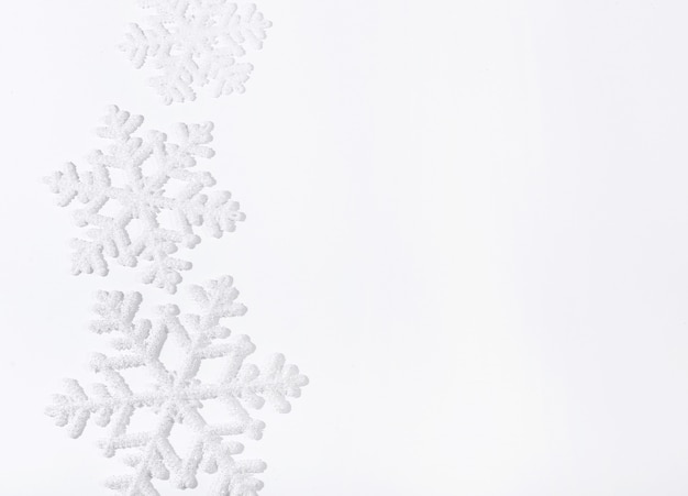 白い表面に雪片