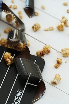 ポップコーン、クラッパー、映画撮影