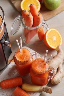 Свежий морковный сок