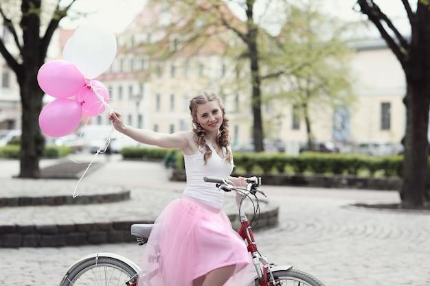 Женщина велосипеда