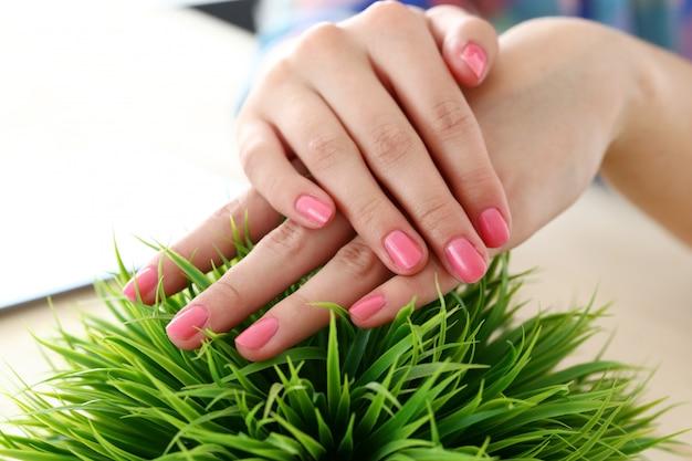 美しい、柔らかい手