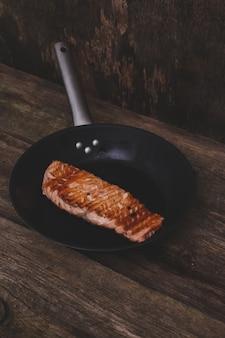 Ломтик лосося на гриле