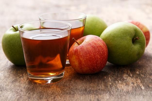 Стакан яблочного сока