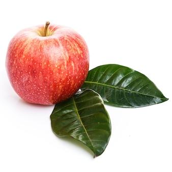 Яблоки на столе