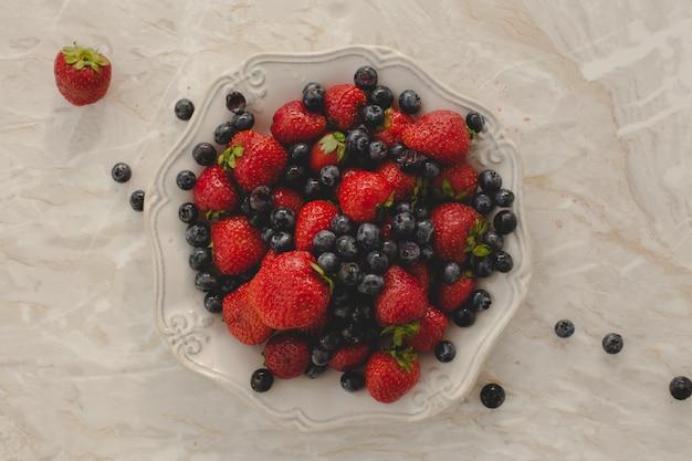 Куча вкусных ягод