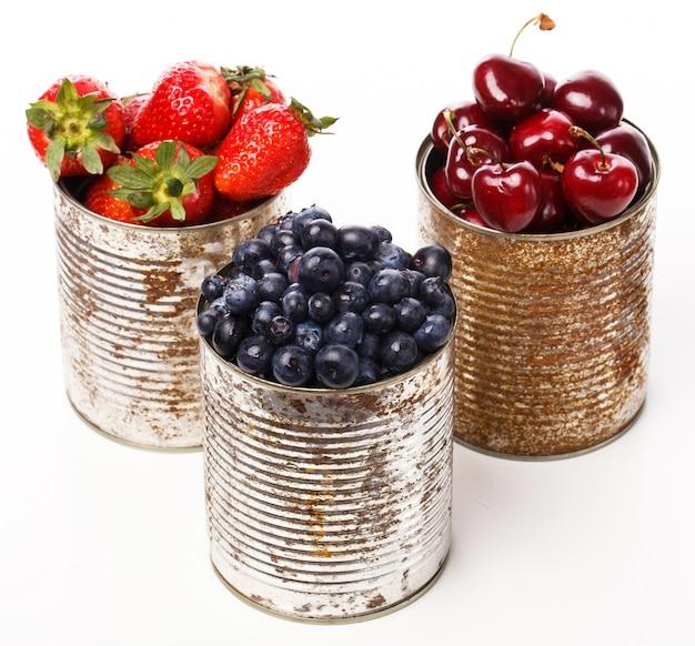 Вкусные ягоды на столе