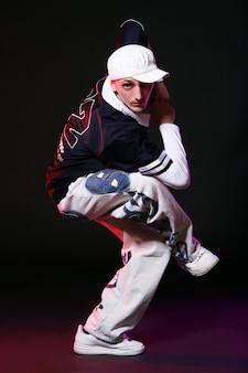 ダンスのヒップホップダンサー