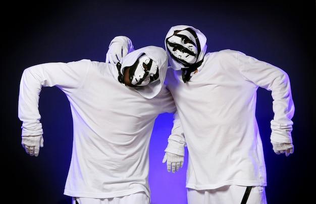 Танцор хип-хопа в танце